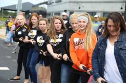 Girls pulling for Chase